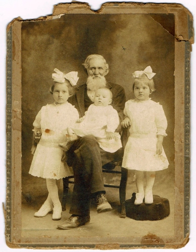 John Thomas Broome with Luther Dudley's children (L to R) Marcia (my grandmother), John Denis, and Katie (taken about 1913)